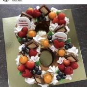 """Торт """"Цифра"""" с ягодами"""